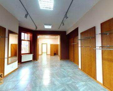 Na prenájom obchodné a prevádzkové priestory s výkladovou plochou, o rozlohe 103 m2 na Námestí sv. Anny v Trenčíne