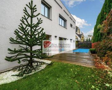 Luxusná 7 izbová vila na prenájom Palisády, bazén, sauna, terasa, výhľad