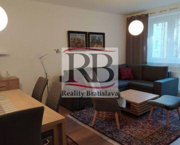 Na prenájom 3-izbový byt na Medenej ulici v Bratislave, Staré mesto