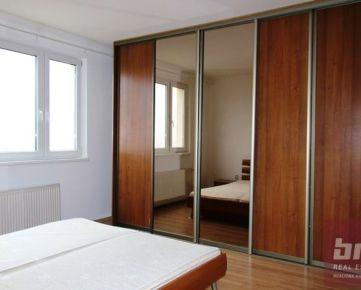 Prenájom 3-izbový byt Romanova ulica Petržalka Bratislava