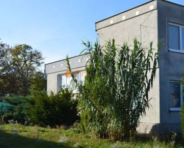 Predaj 5-izbový rodinný dom s garážou, Tvrdošovce