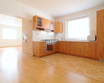 LEXXUS-PREDAJ Slnečný 3 izbový byt s krásnou terasou a garážou Ružinov