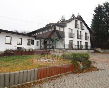 Penzión s pozemkom, /933 m2/, Rajecké Teplice