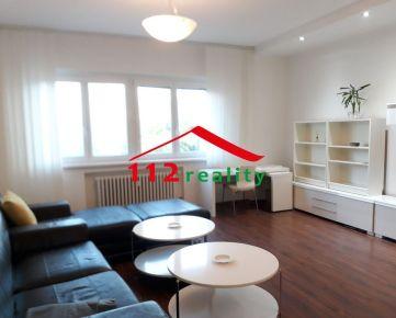 Na predaj veľký 2 izbový byt s loggiou, v dome s výťahom,  Staré mesto, Záhradnícka - REZERVOVANÉ