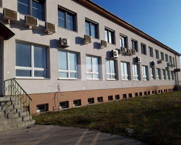 Prevádzkový areál s aministratívnou budovou