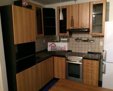 1-izbový komplet prerobený byt na Oremburskej ulici na prenájom