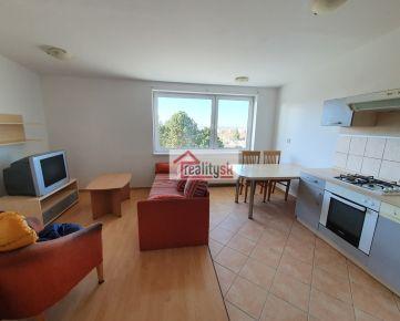 Predám 3 izbový byt s balkónom 67 m2 a garážou v Zohore