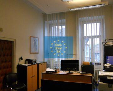 Ponúkame na prenájom Košice - centrum kancelársky priestor o výmere 150 m2 priamo v historickom centre mesta