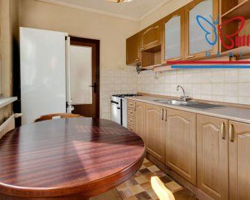 NA PREDAJ 3 izb byt s neprechodnými izbami