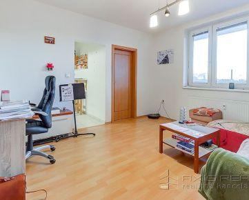 360° VIRTUÁLNA PREHLIADKA:: Svetlý 2,5-izb. byt s veľkou logiou, BA II. Vrakuňa, Píniová ulica