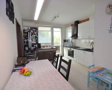 Krásny, zariadený 3 izbový byt s balkónom, ul. Ku Bratke, Levice