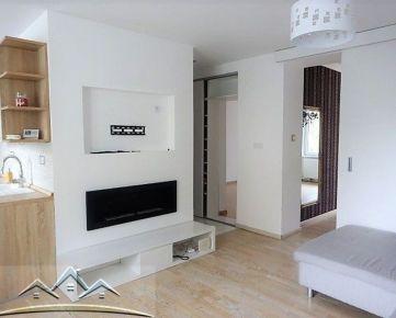 Prenájom pekne zrekonštruovaného 3 izb. bytu, 75m2, balkón, pivnica,  Školská ul., Šamorín