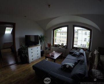 Prenájom 4 izbový byt, Žilina - Centrum, Cena: 700€