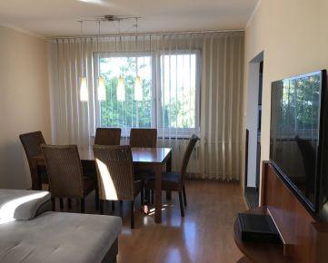 Na prenájom veľký, slnečný, komplet zrekonštruovaný 3-izbový byt na Dlhej ulici v Nitre.