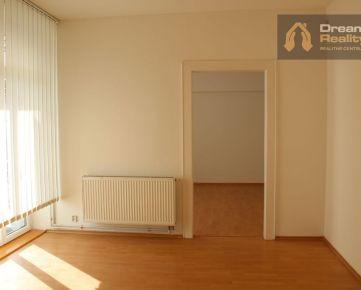 Prenájom 4 izbového bytu v centre Žiliny