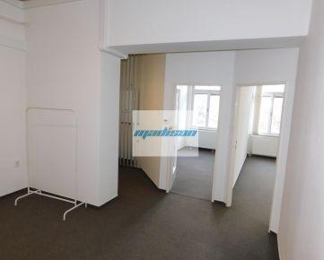 Štefánikova ulica - samostatný administratívny celok v centre mesta, 130 m2, 6 kancelárií + príslušenstvo, s možnosťou rozšírenia, výborná dostupnosť MHD, vlakom, priestory ihneď voľné