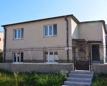 Prenajmeme  5 izbový dom po rekonštrukciu BA-Lamač ulica Segnáre