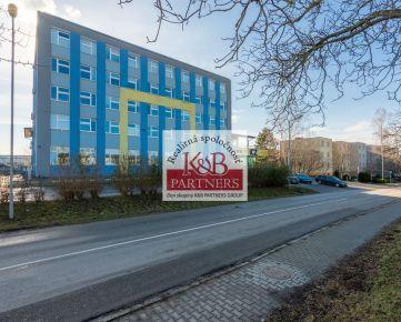 Ponúkame Vám na prenájom kancelárske priestory o výmere od 75 m2 až do 614 m2 na Soblahovskej ul. v Trenčíne.