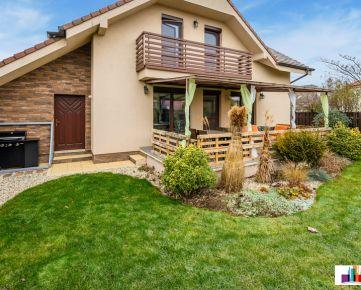 Na predaj 5 izbový rodinný dom 175 m² s garážou, Malinovo - Hviezdna ul.