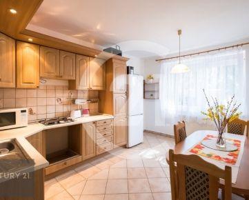 Predaj 5 izbový rodinný dom s garážou a bazénom Nitra – ZOBOR !