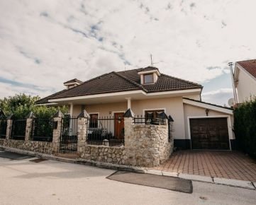 NEO- rodinné sídlo v pokojnej mestskej časti Trnavy, Modranka