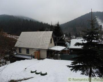 Chata v horskej osade pri potôčiku desať kilometrov od SKI Makov