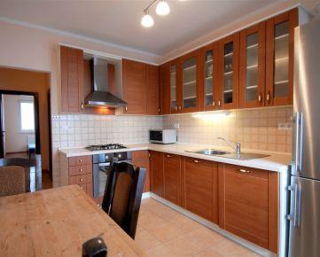 PRENÁJOM – Priestranný 3-izbový byt na začiatku Petržalky