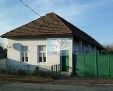 REZERVOVANÉ - Starší dom v obci Lieskovec pri Zvolene
