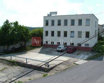 Prenájom administratívnej budovy v Krupine - 1000m2