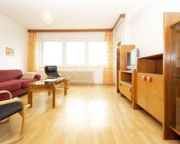 Priestranný 4i byt s balkónom na prenájom v centre Bratislavy