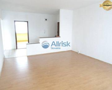 Veľký 3-izb. byt v Šali-Veči - kúpou voľný !