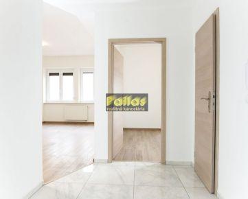Pallas  PREDAJ 3-izb. bytu s loggiou v meštianskom dome v CENTRE