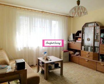 COMFORT LIVING ponúka - Priestranný 3 izbový byt s loggiou, zateplený dom s novým výťahom