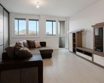 P R E D A J   priestranný, svetlý 2-izb. byt, 78 m2 na Podunajskej ul.