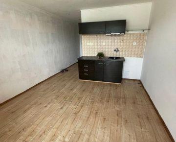 Invest&Real  Na predaj 1-izbový byt Južná trieda Košice