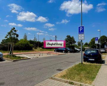 COMFORT LIVING ponúka - Nadštandardné parkovacie miesto o výmere 18 m2 priamo pred bytovým domom s polyfunkciou - Bratislava, mestská časť Rusovce