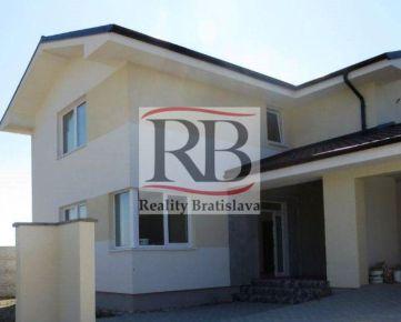 Na predaj 6i rodinný dom v Dunajskej Lužnej