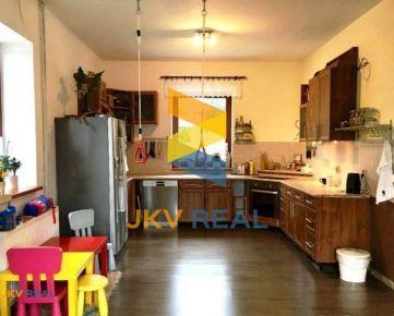 Ponúkame na predaj krásny rodinný dom v Dolnom Lopašove