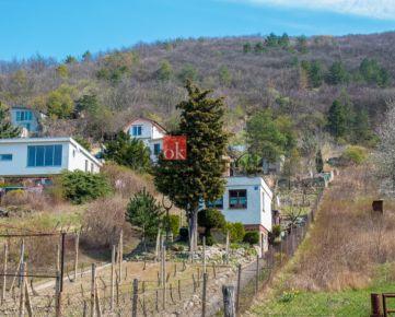 Predaj rozostavanej chaty na úžasnom pozemku pod Devínskou Kobylou