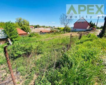 Exkluzívne APEX reality stavebný pozemok v Merašiciach, 568 m2, novovzniknutá lokalita