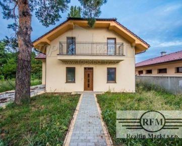 Banka - Novostavba rodinného domu postaveného z kvalitných materiálov