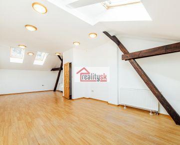 Kancelárie 4+1, 130 m² v širšom centre Trenčína pod hradom