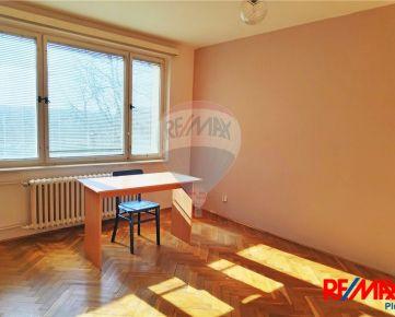 PREDAJ: 1-izbový byt 34m2, loggia, pivnica, Guothova ul., BA III. - Nové Mesto
