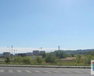 Prenájom 2x pozemok v lukratívnej lokalite medzi Bory a Metro s IS a prístupovou cestou