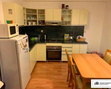 AARK: 3 - izbový byt, Vajanského, Trnava (aj s parkovaním) centrum mesta