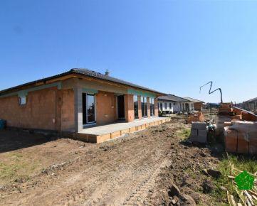 Bungalov NOVOSTAVBA - O 135 rodinný dom 4 izbový, 134 m2 KOLAUDÁCIA 3Q/2021, GARÁŽ, Senec, Južná Brána