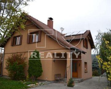 Na predaj krásny 5-izbový rodinný dom, s pozemkom 700m2, Nitra-Drážovce. CENA: 204 000,00 EUR