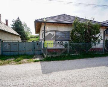 Na predaj rodinný dom v Zbehoch s 8,5 árovým pozemkom