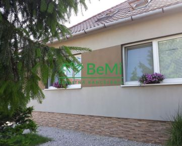 4-izbový rodinný dom Hlohovec-Šulekovo, kompletná rekonštrukcia, bazén, záhrada