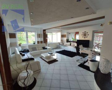 BV REAL Na predaj rodinný dom / vila 1247 m2 Handlová 70141